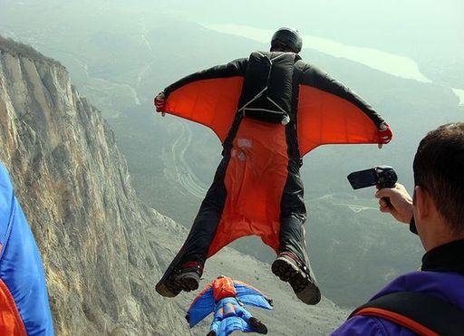 Популярный ВАSE jumping