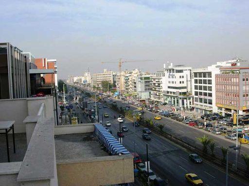 Вид на площадь Омония из кафе.