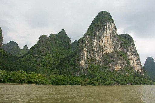 Река Ли. Живописные холмы
