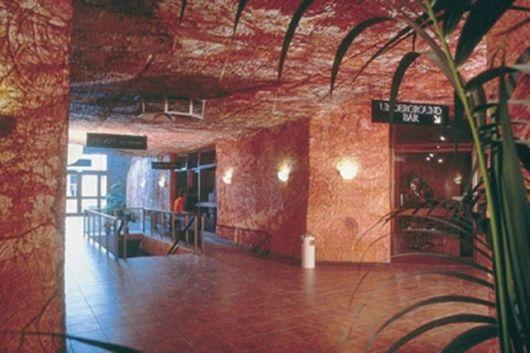 Подземный отель Desert Cave Hotel