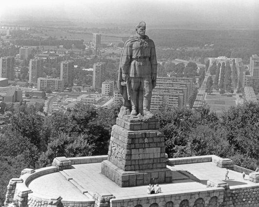 Стоит над горою Алеша — в Болгарии русский солдат