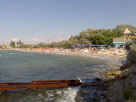 Пляж в пгт. Черноморское, Крым