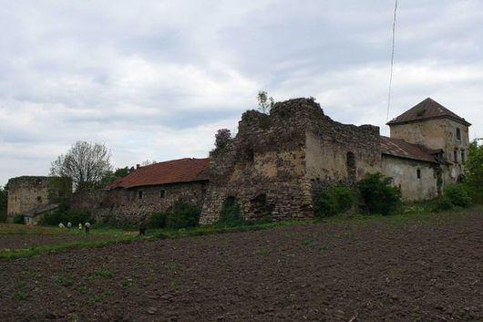 Золото-Потокский замок