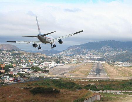 Топ 10 самых страшных аэропортов мира (№9)